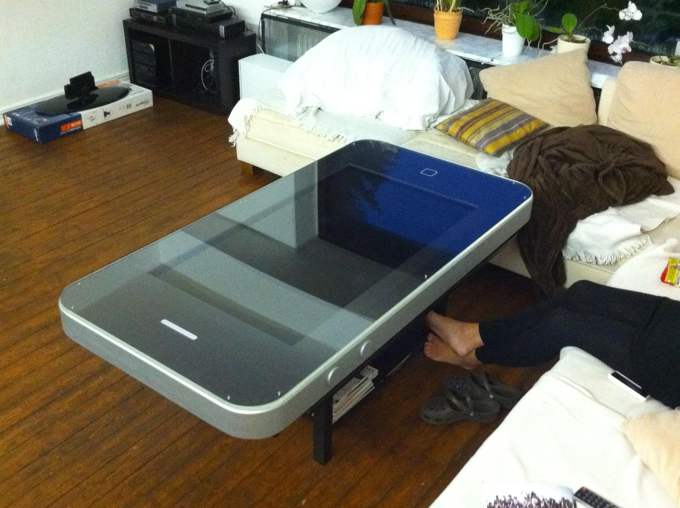 so muss ein couchtisch aussehen apfelblog. Black Bedroom Furniture Sets. Home Design Ideas