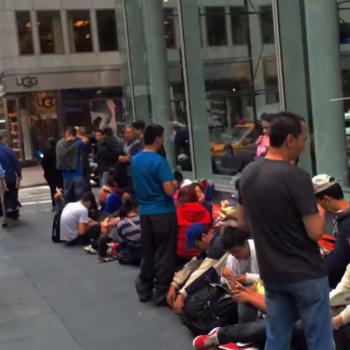 iPhone Warteschlange New York