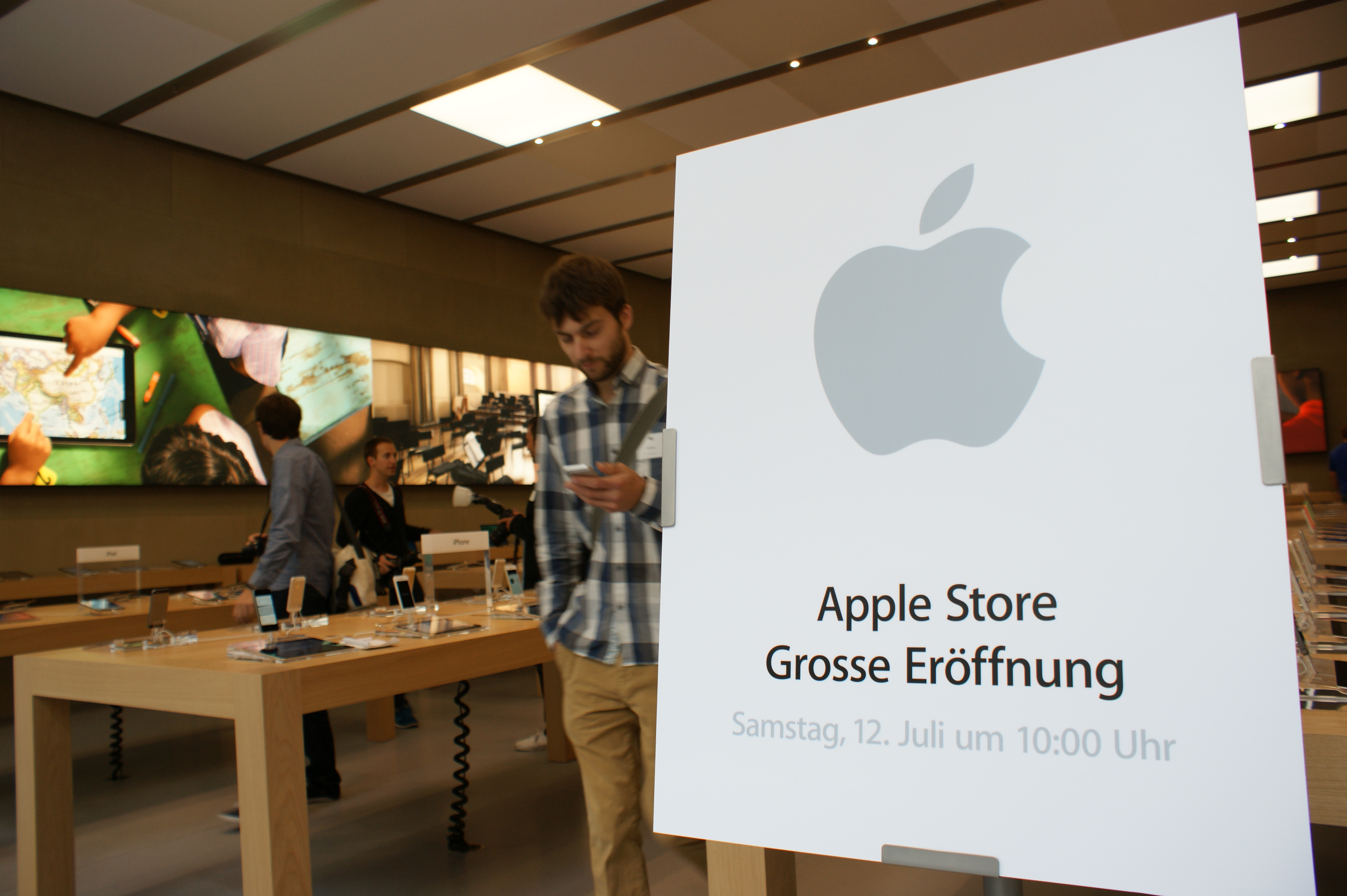 Eröffnung Apple Store Basel