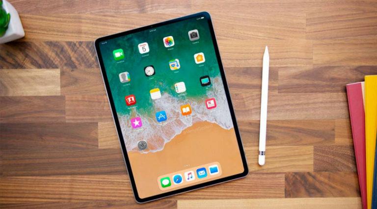 Face-ID iPad Pro 2018 Mockup