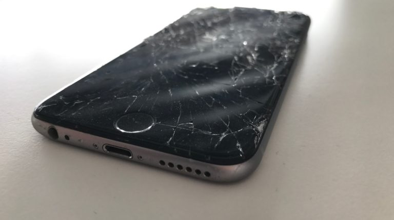 iPhone 6 mit kaputtem Screen