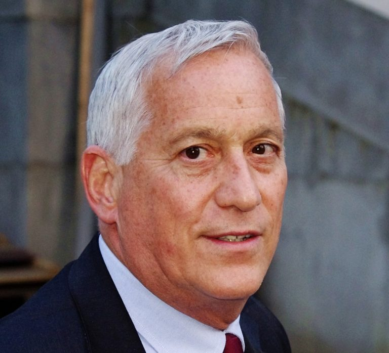 Walter Isaacson