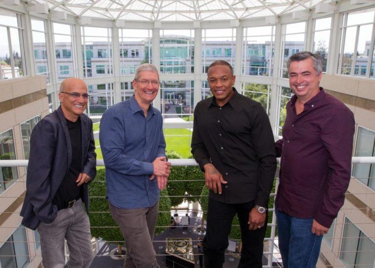 Tim Cook, Eddy Cue, Dr. Dre und Jimmy Iovine