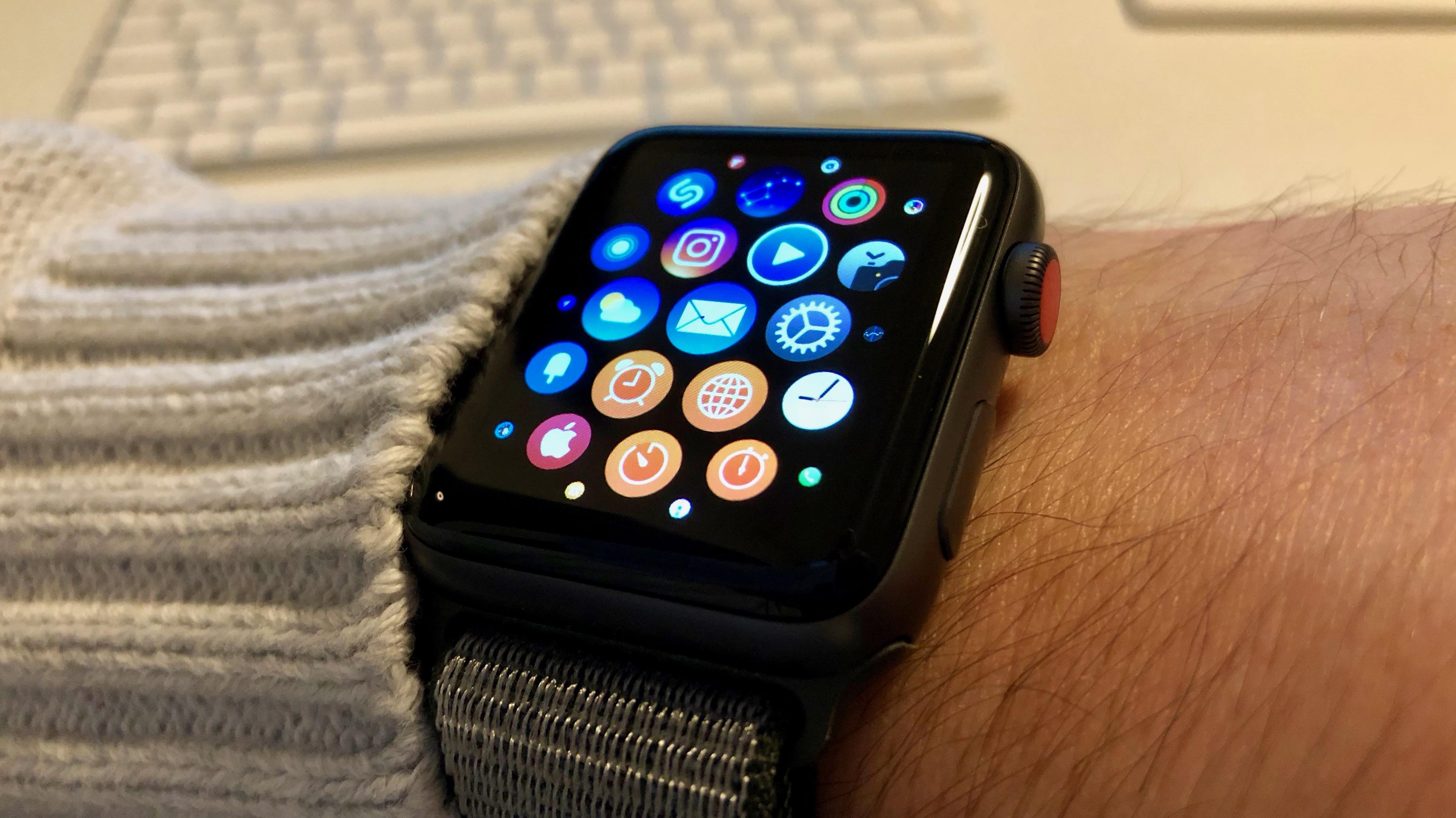 Apple Watch Series 3 mit der Apps-Übersicht.