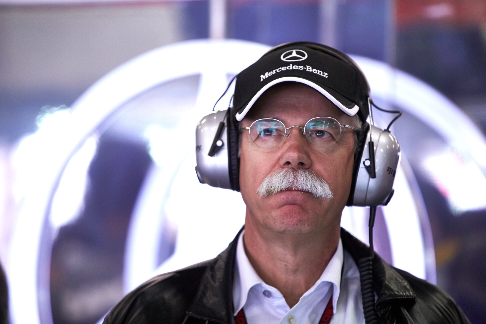 Daimler-Chef Zetsche glaubt nicht an ein Auto von Apple.