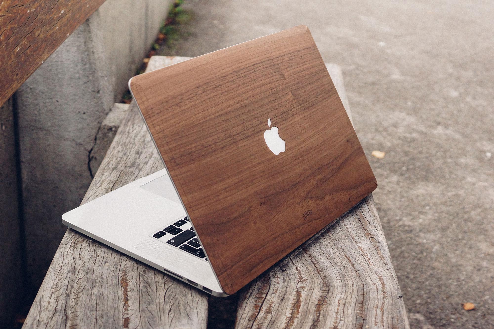 Glitty – Das MacBook mit Holz veredeln.