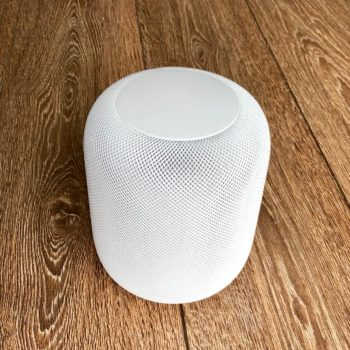 Apple HomePod on Wood