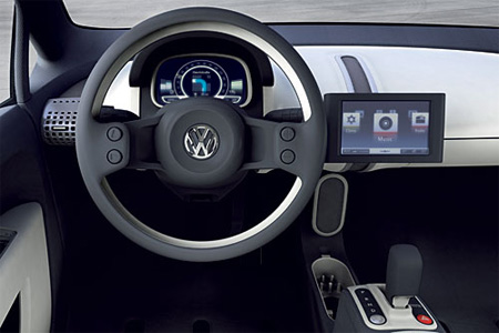 iCar - Volkswagen Up mit Touchscreen