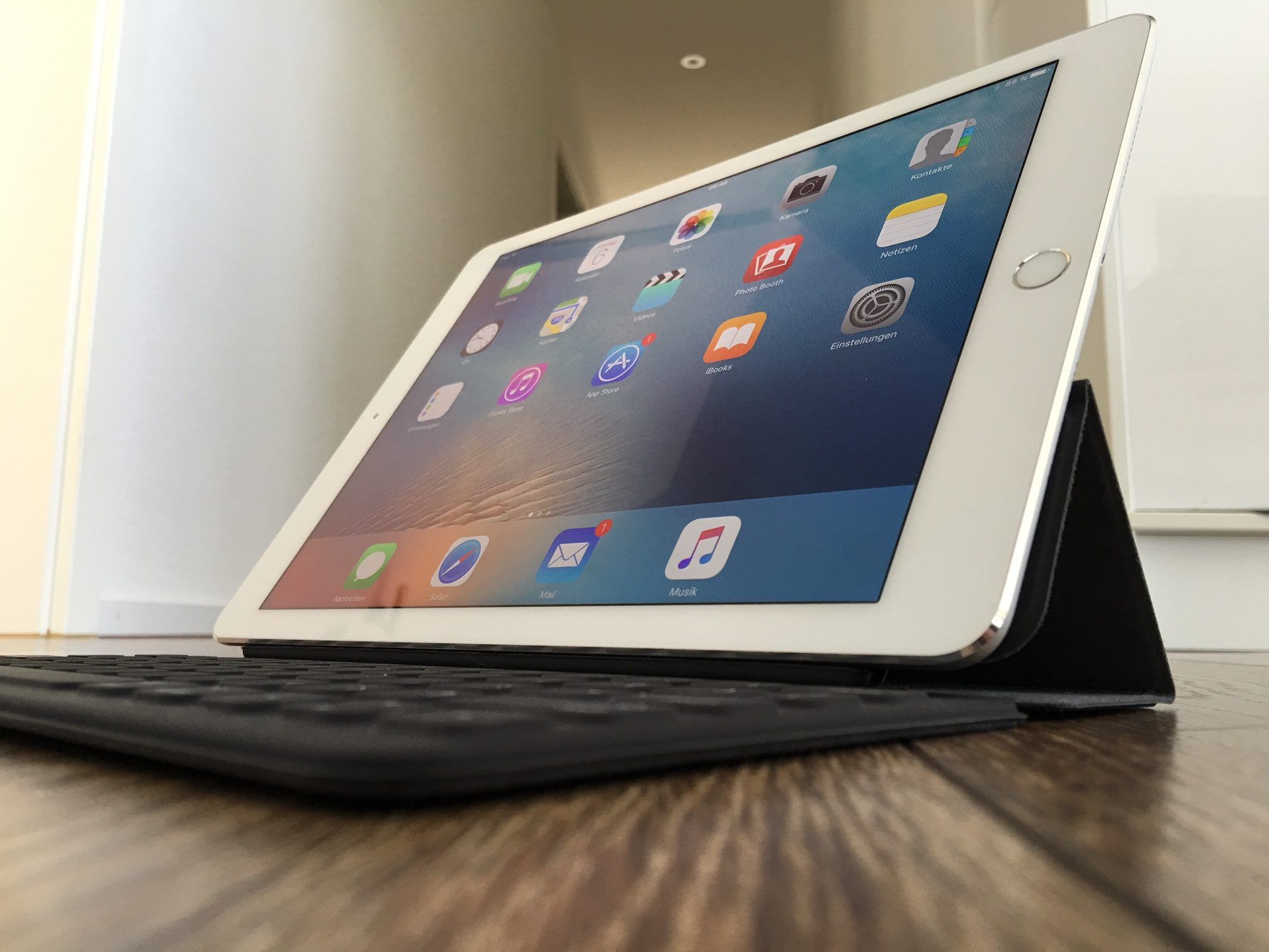Smart Keyboard für iPad Pro endlich auch in Deutsch und für die Schweiz.