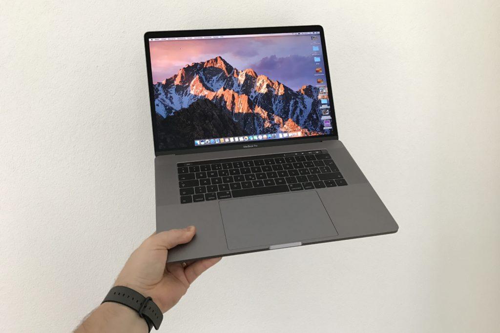 """MacBook Pro 15"""" mit Touch Bar"""