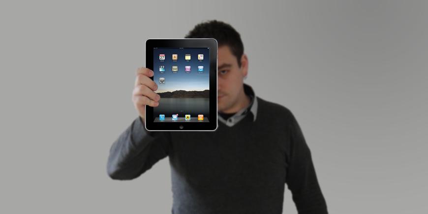Renato Mitra mit dem iPad